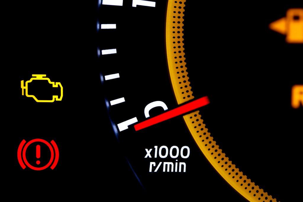Işık Rengini Kontrol Edin Motor arıza lambası kendiliğinden söner mi?