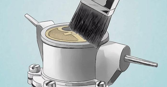 Filtreyi çıkarmadan bir fırça ile temizleyin.