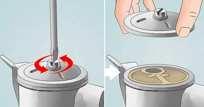 Yakıt pompası gövdesinin üstündeki merkezi vidayı veya somunu sökün