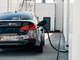 BMW, 5er ve X1'in tamamen elektrikli versiyonlarını duyurdu
